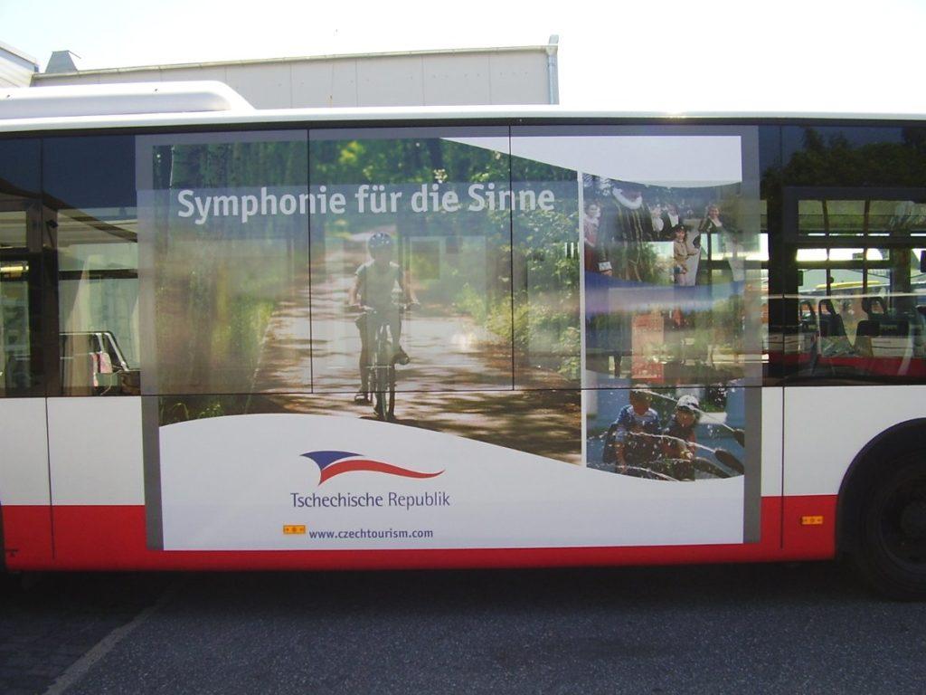 Foto: Traffic Board an Nahverkehrsbus